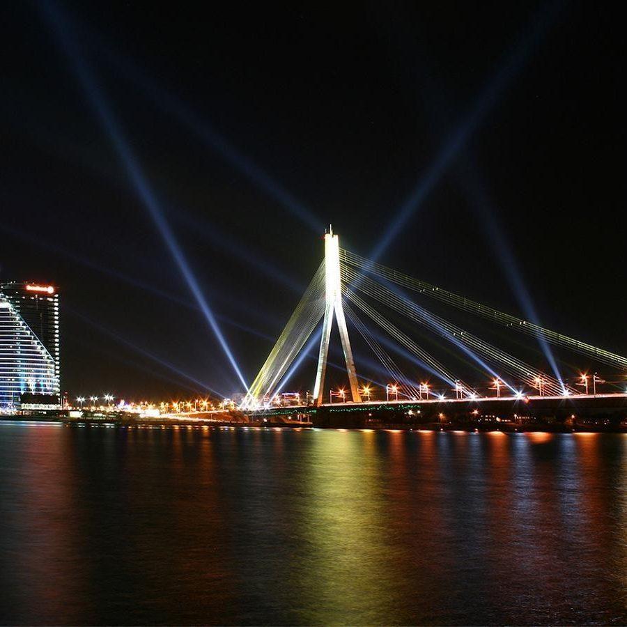 night-river-black-bridge-riga